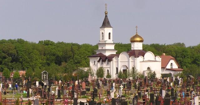 Можно ли ходить на кладбище на Пасху?