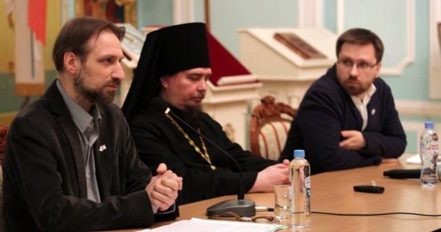 В Твери обсудили, на каком языке проводить церковные службы