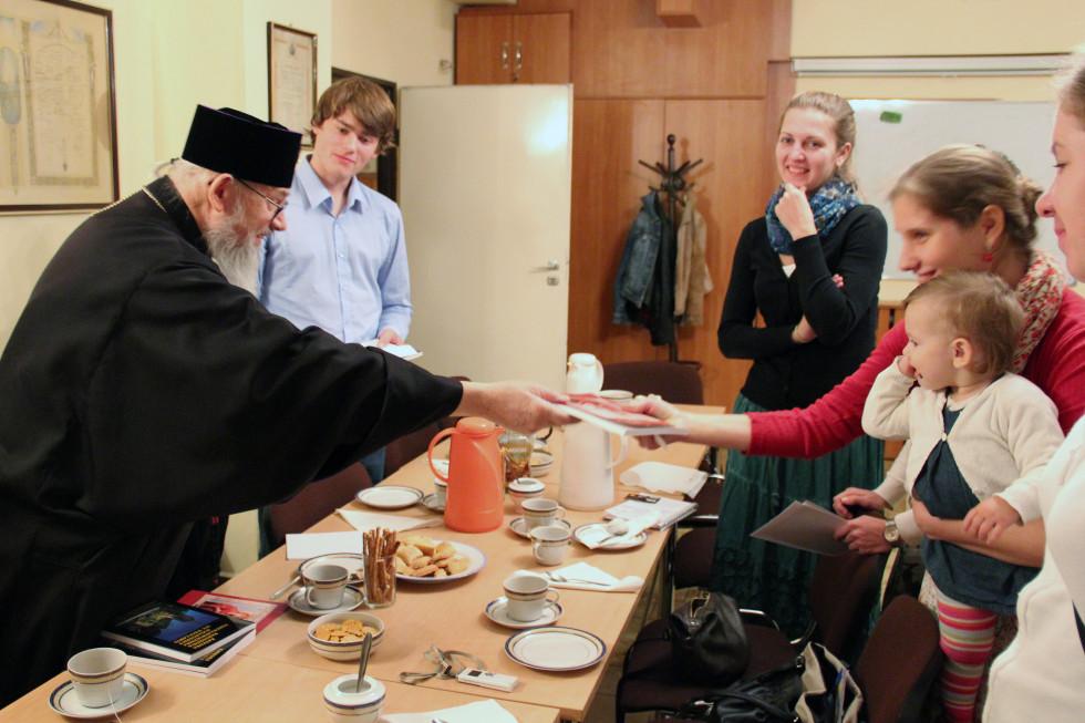 Молодежь Преображенского братства на встрече с владыкой Иеремией в 2012 году
