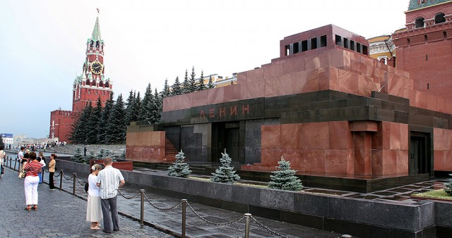 Fr. Georgy Kochetkov: People Need to be Prepared for the Removal of Lenin's Body from Red Square