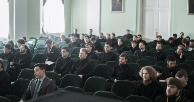 Магистранты СФИ выступили на международной конференции в СПбДА