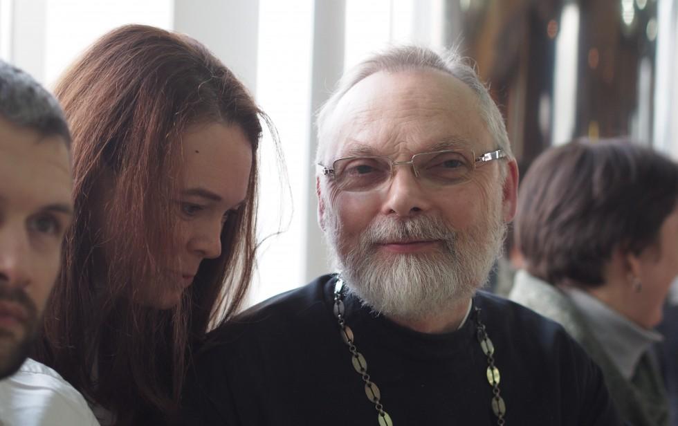 Отец Георгий и студенты СФИ