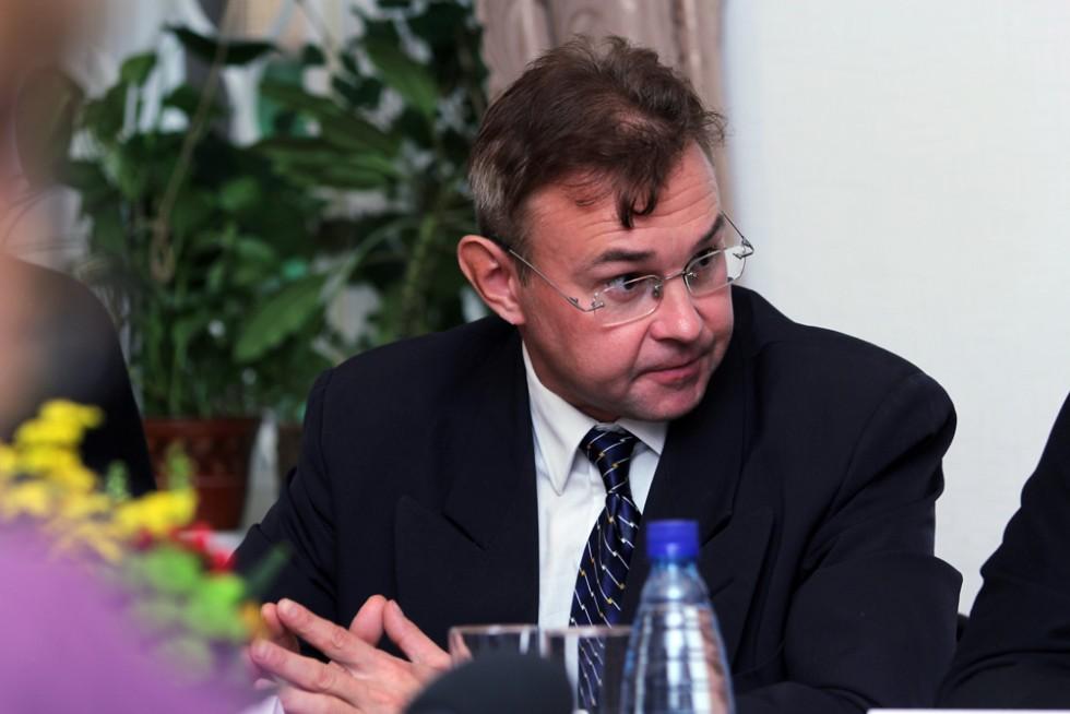 доктор исторических наук С.Л. Фирсов Заведующий кафедрой богословских дисциплин и литургики СФИ