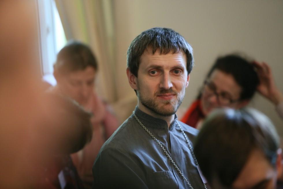 Священник Валерий Шпенглер,председатель Отдела религиозного образования и катехизации Енисейской епархии