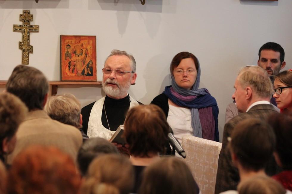 Ректор СФИ священник Георгий Кочетков говорит проповедь на евангельское чтение (Мф 13:44-57)  Поздравляем новых студентов  Первокурсники говорили