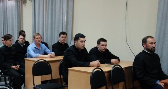 О проблеме суеверий в церкви говорили в Ташкентской духовной семинарии