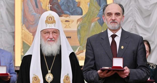 Профессору СФИ Александру Копировскому вручена Макариевская премия