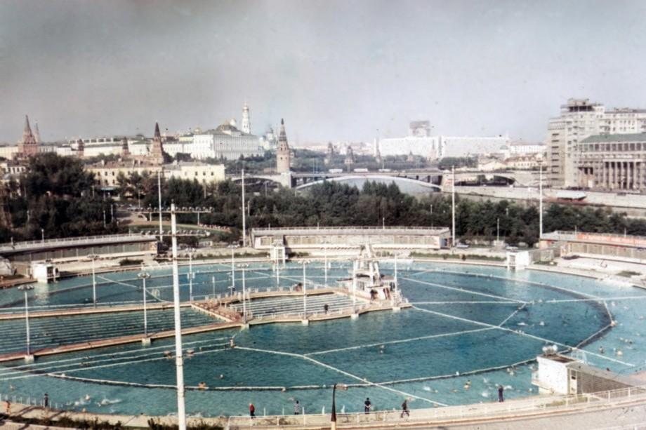 Бассейн «Москва», 1969 год. Фото: Википедия/Andris Malygin