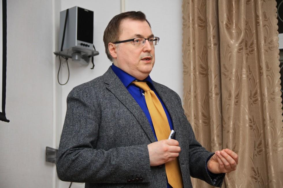 Алексей Александрович Маслов, доктор исторических наук, руководитель Школы востоковедения НИУ ВШЭ