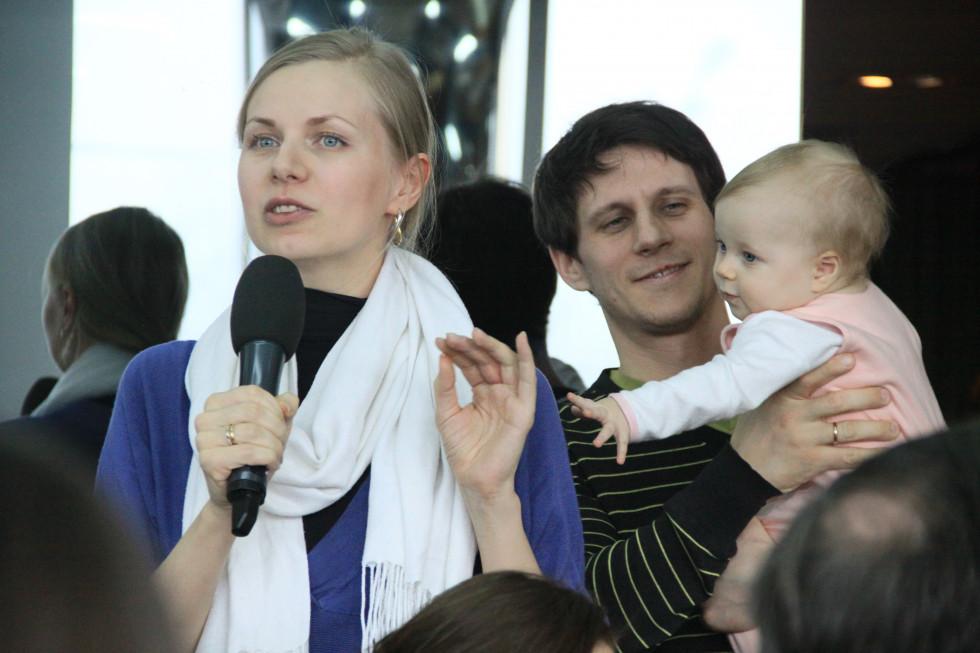 Некоторые учатся на богословском факультете семьями. Маленькую Леру родители называют «невольно слушателем», хотя уверяют, что на лекциях она ведет себя хорошо