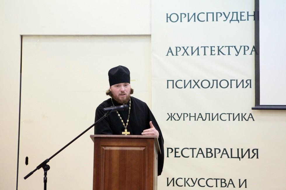 Священник Григорий Геронимус, настоятель храма Всемилостивого Спаса в Митино