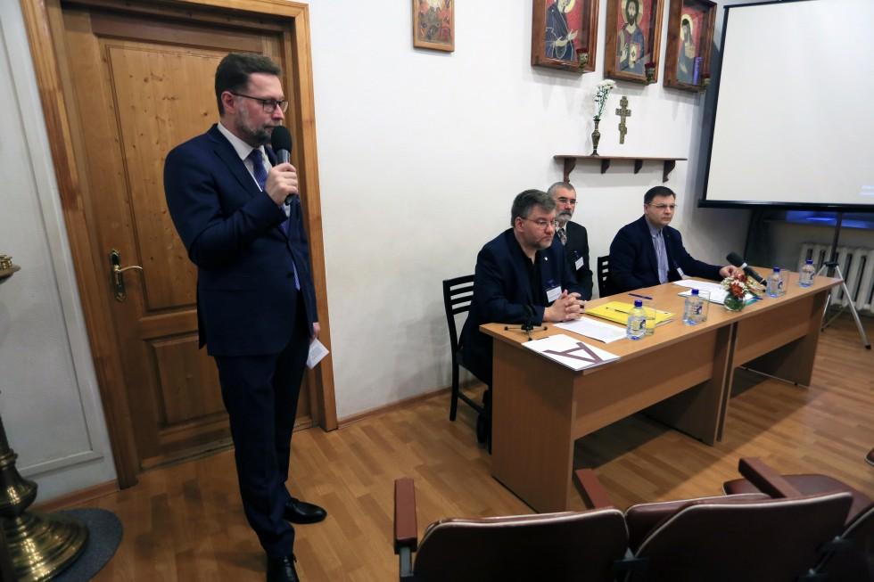Первый проректор СФИ Дмитрий Гасак