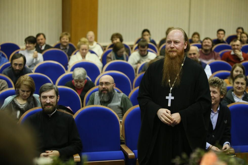 Протоиерей Димитрий Рощин,начальник Управления по работе с общественными организациямиСинодального отдела по взаимоотношениям Церкви с обществом и СМИ