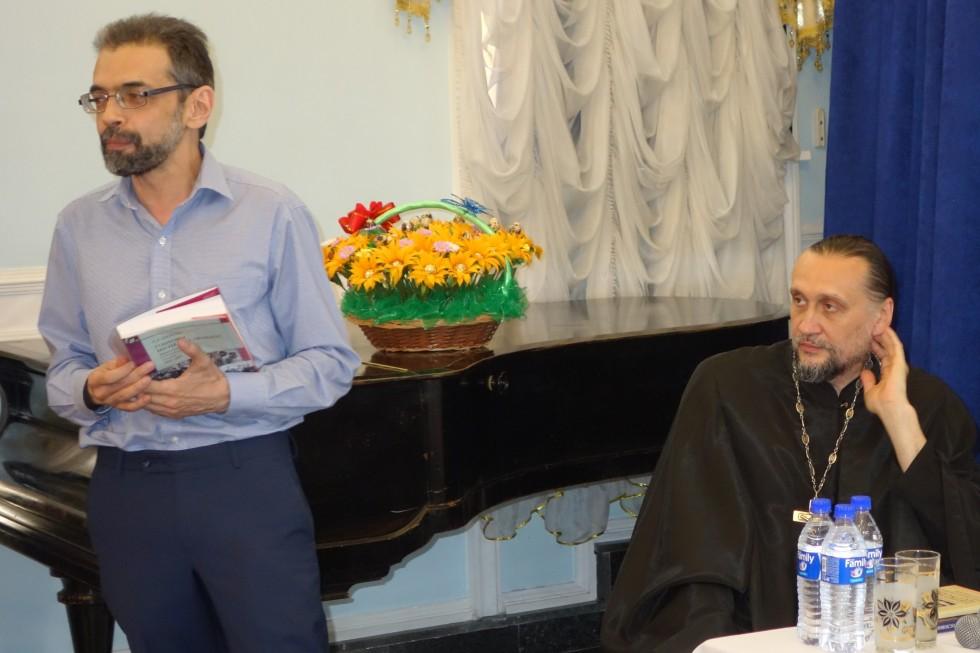 Главный редактор журнала «Восток Свыше» Евгений Абдулаев, протоиерей Сергий Стаценко