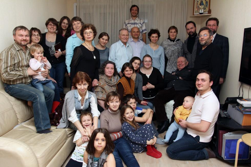 Теодор Шанин в гостях у православной общины