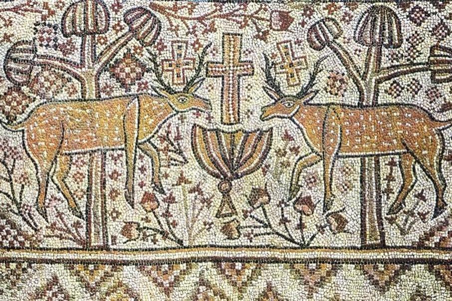 Олени, прильнувшие к источнику, символически изображают катехуменов.Мозаика церкви в Энчир Унаиси, Тунис. VI–VII вв.