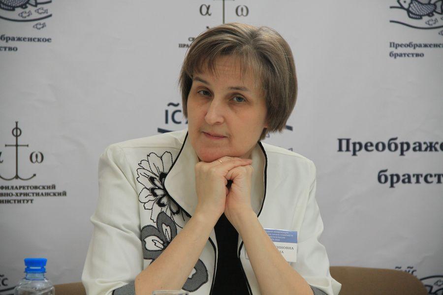 Юлия Валентиновна Балакшина, доктор филологических наук, учёный секретарь СФИ, член Экспертного совета ВАК по теологии