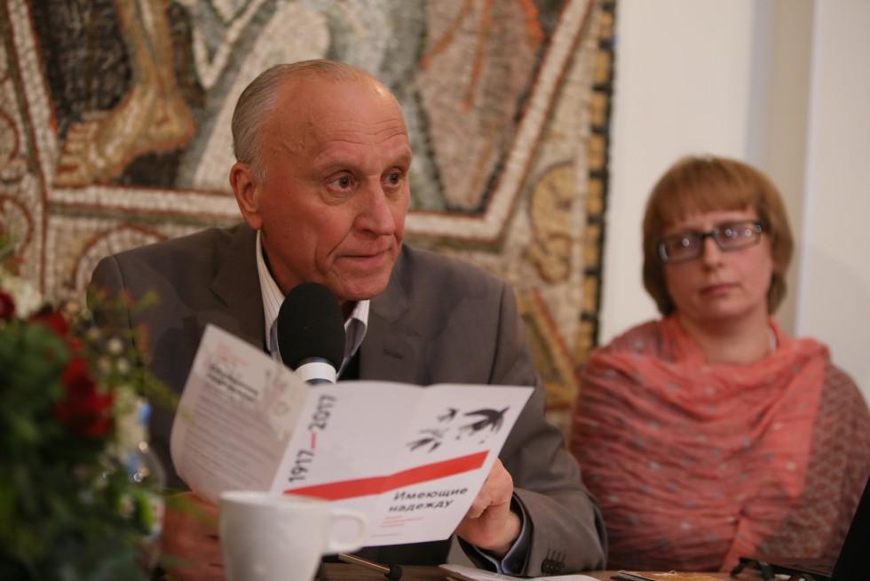 Геннадий Бурбулис, кандидат философских наук, основатель Школы Политософии, президент Центра «Стратегия»,госсекретарь РСФСР в 1991-1992 году