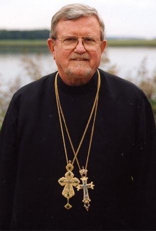 Митрофорный архимандрит Роберт Тафт с правом ношения двух крестов (2000-е). Фото: страница священника Сергея Голованова