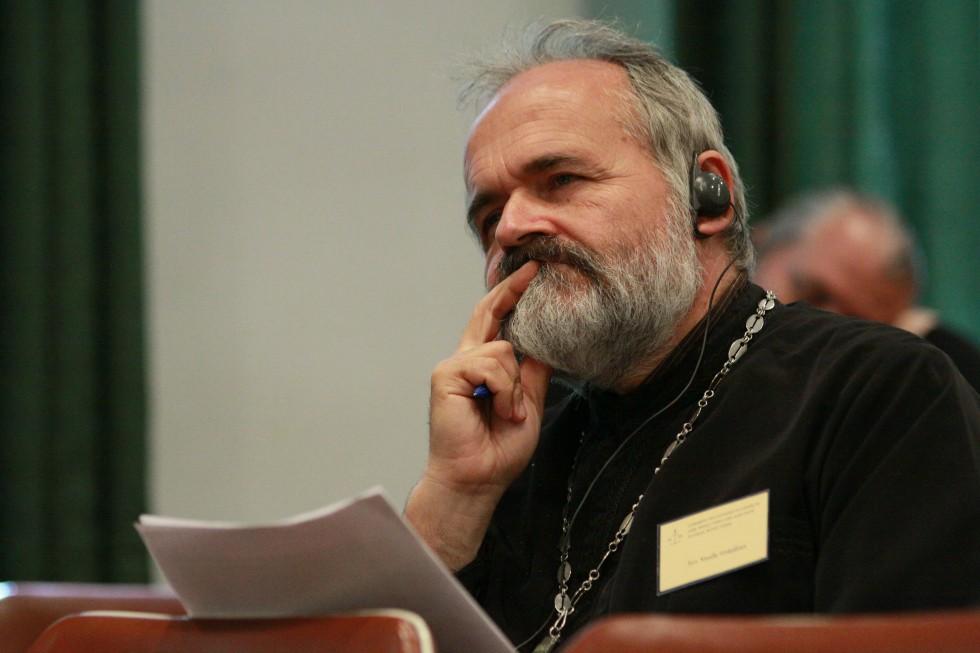 Священник Василе Грэждян