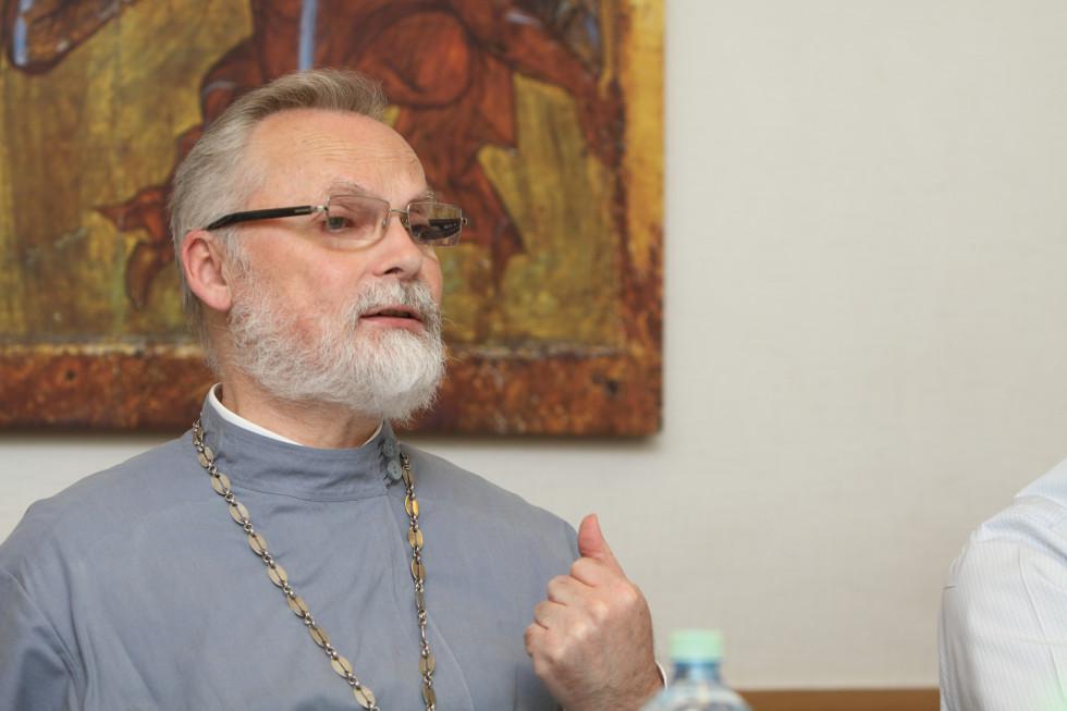Профессор священник Георгий Кочетков, магистр (кандидат) богословия,ректор СФИ