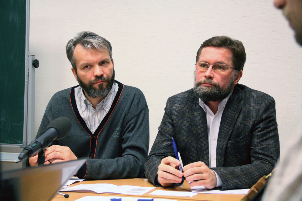 Ведущие вебинара Владимир Якунцев и Дмитрий Гасак