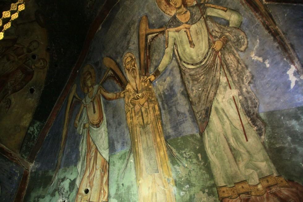 Фреска XII века в пещерном монастыре преподобного Неофита изображает его вознесение. Мы сразу поняли, что он был очень смиренный человек