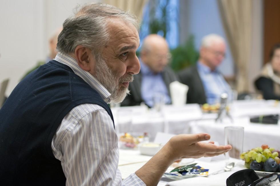 Давид Гзгзян
