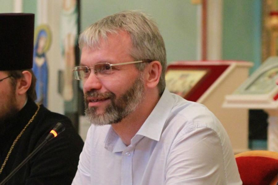 Руководитель Научно-методического центра по миссии и катехизации СФИ Владимир Якунцев