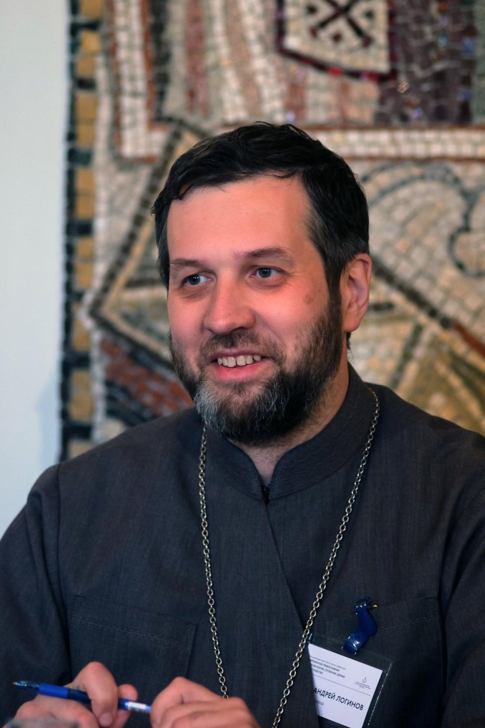 Священник Андрей Логинов