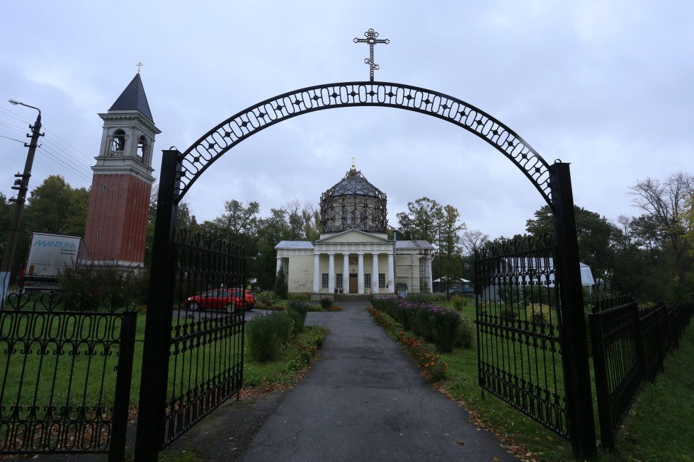 Бывшая усадьба Алексея Степановича Хомякова. Храм Сретения Господня