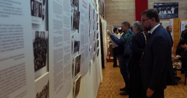 В Российском православном университете открылась выставка «Человек на переломе»