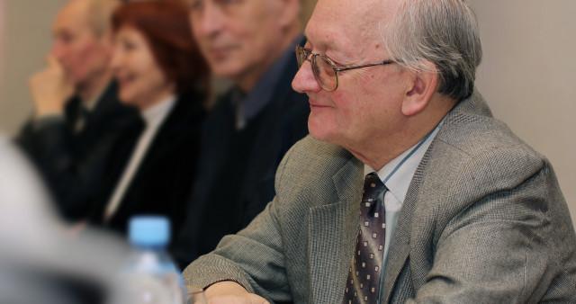 Академик Алексей Старобинский вошёл в число попечителей СФИ