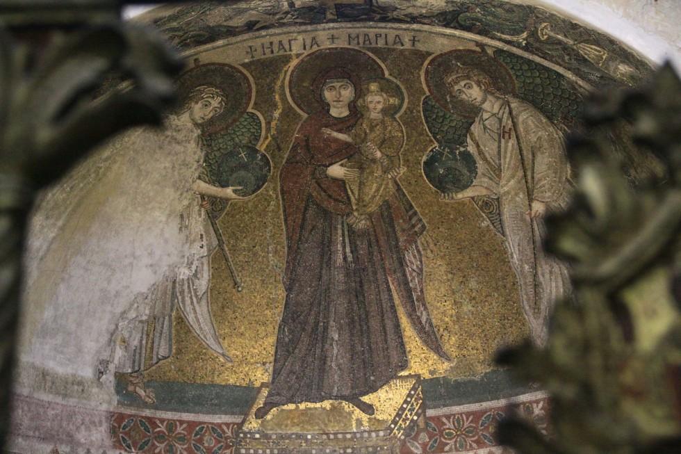 Мозаика в апсиде храма Панагии Ангелоктисти. VI век