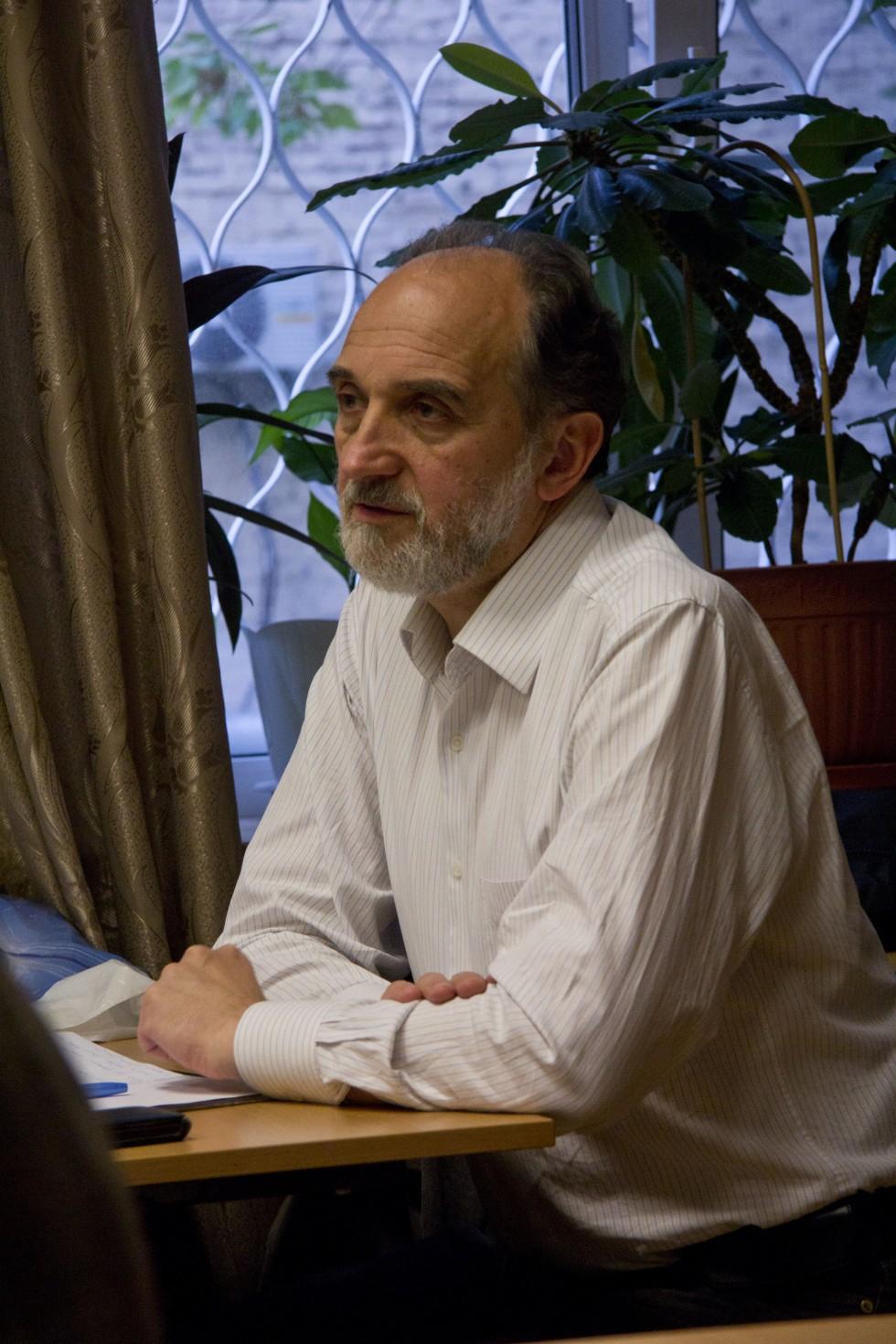 Александр Михайлович Копировский, кандидат педагогических наук, профессор кафедры философии, гуманитарных и естественнонаучных дисциплин СФИ