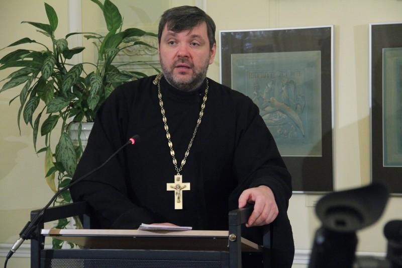 Священник Илья Соловьев