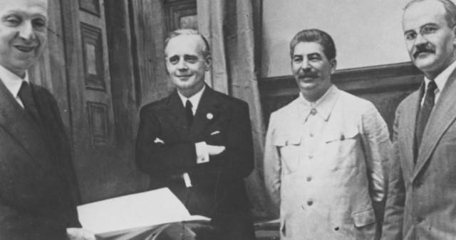 Пакт Сталина с Гитлером: триумф или трагедия?