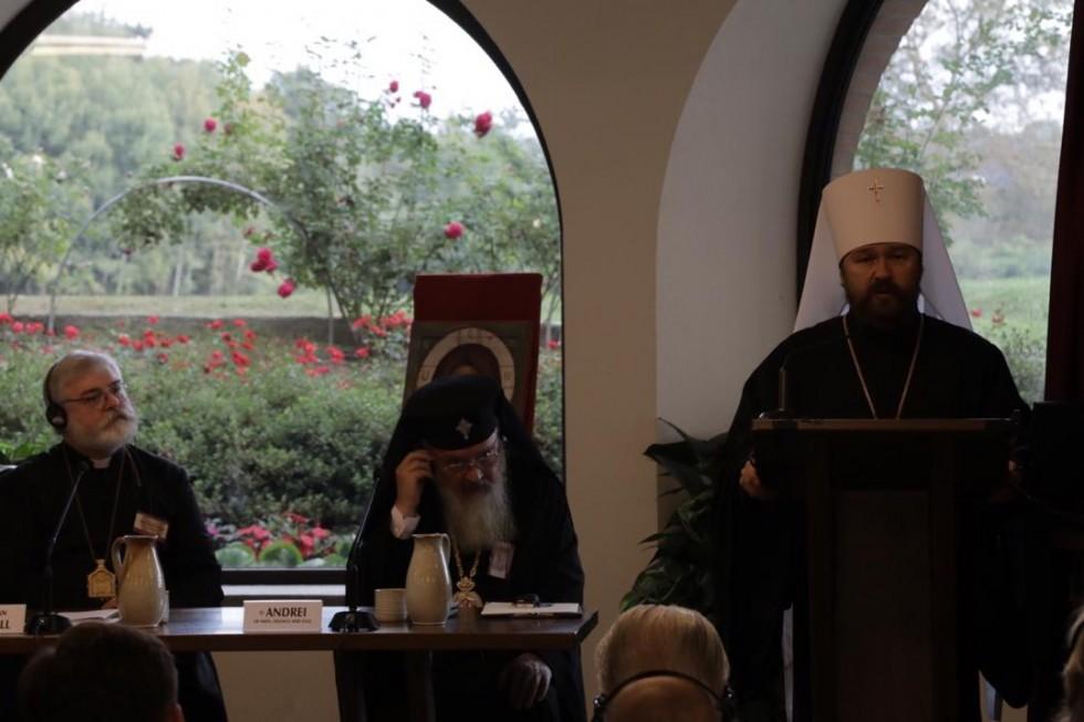 Митрополит Иларион (Алфеев) выступил с докладом «Жизнь во Христе»
