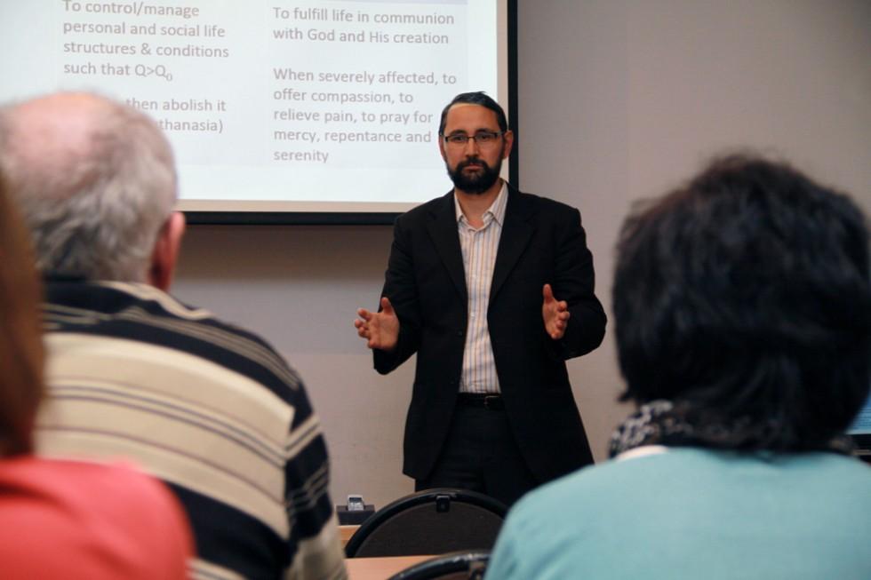 В Свято-Филаретовском институте с лекцией «Острые вопросы биоэтики» выступил профессор Себастьян Молдован