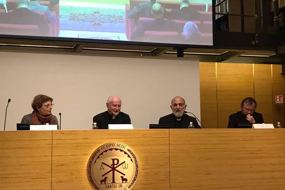 Слева направо: Зоя Дашевская, протоиерей Джон Эриксон, священник Эдвард Фарруджа, архимандрит Кирилл (Говорун)