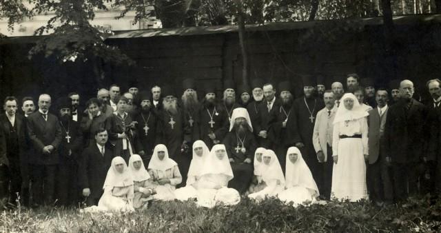 Личность в истории православных братств: епископы, священники, миряне