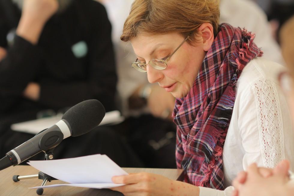 Зоя Дашевская, декан богословского факультета СФИ, сделала доклад «Представление о Церкви в чинах поставления на служение»
