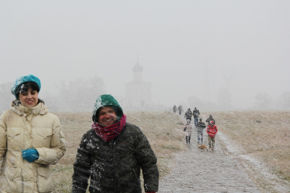 Пока мы были в храме, пошел снег