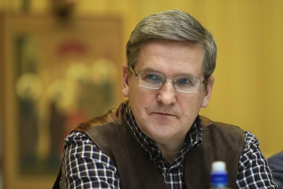 Владимир Лавренов, кандидат исторических наук, член Геральдического Совета при президенте РФ, выпускник СФИ