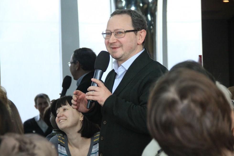 Выпускник СФИ Сергей Озерский, по первой профессии – врач-реаниматолог