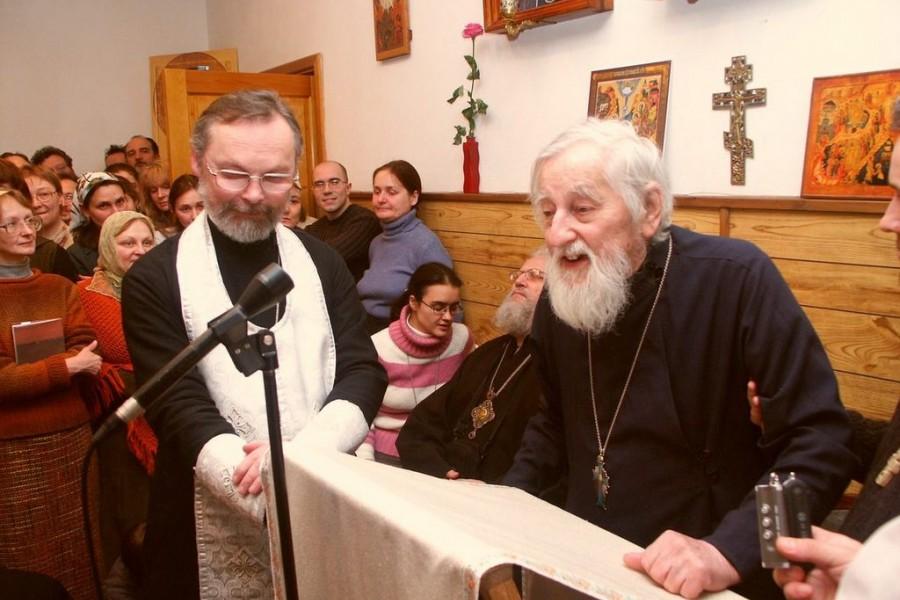Отец Виталий Боровой проповедует на Великой вечерне в часовне СФИ, 21 января 2006 года