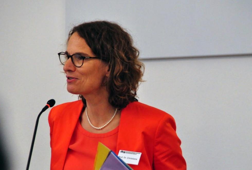 Председатель МеждународногообществаДитриха Бонхёффера, профессор доктор Кристиана Титц