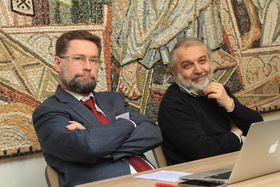 Дмитрий Гасак, первый проректор СФИ, и Давид Гзгзян, заведующий кафедрой богословских дисциплин и литургики СФИ