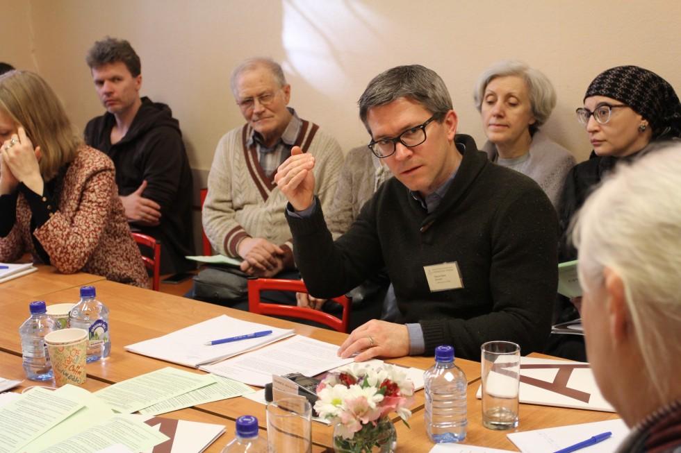 Секция религиоведения. Сидни Эрик Демент (Бингемтонский университет штата Нью-Йорк) представил доклад «Ученый в американском религиозном вузе: сравнительный подход к теме»