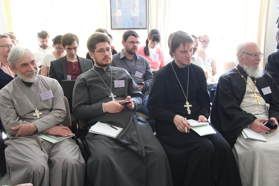 Священники Игорь Кузьмин, Дмитрий Третьяков, Георгий Видякин и Игорь Киреев